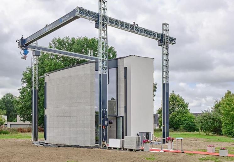A maior impressora 3D da Europa fabricou a primeira casa de 2 andares do mundo